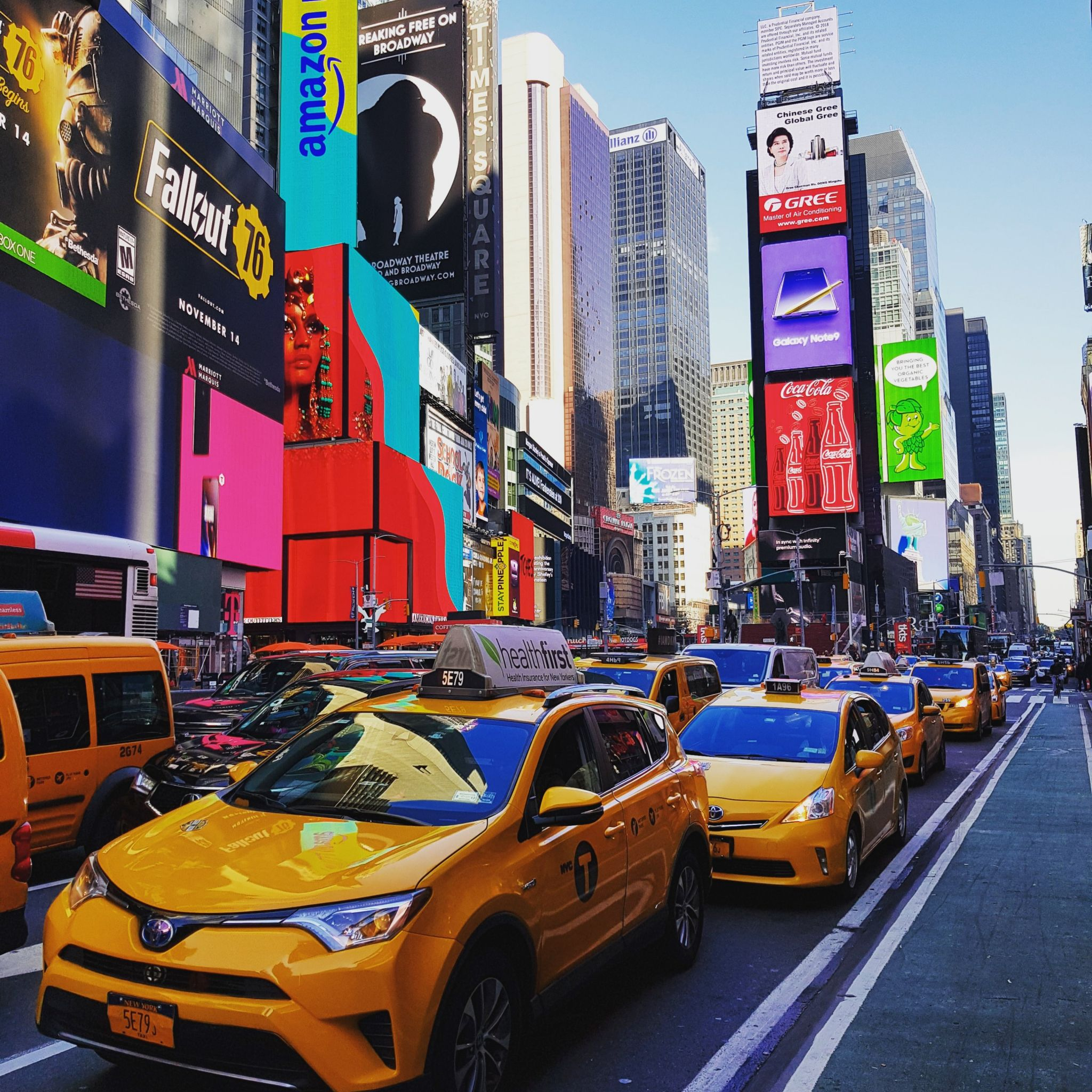 Times Square, New York, MANHATTAN, YELLOW CABS